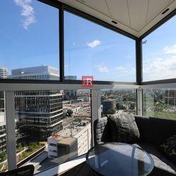 HERRYS - Na prenájom nadštandardný 3 izbový byt v Panorama City v Starom Meste, parking