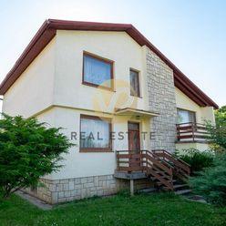 NA PREDAJ – Jedinečný 5 izbový Rodinný dom s priestranným pozemkom–Nitra Kynek