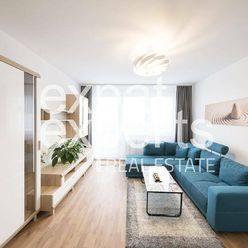 REZERVÁCIA Krásny 3i byt,70m2, zariadený, v novostavbe s parkovaním