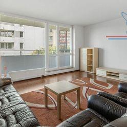 P R E D A J  2-izb veľkometrážny byt