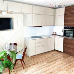 Prenájom UPLNE NOVÉHO svetlého 2-izbového bytu v širšom centre s balkónom
