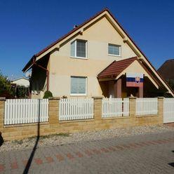Apartim sro predá veľký, 5 izbový rodinný dom v Turni, len 2 km od Senca