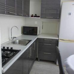 PRENÁJOM ! Priestranný 4-izbový byt v tichej lokalite !