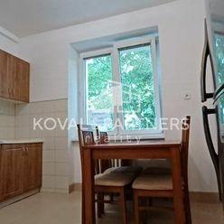 Predáme 3-izbový byt na Štúrovej ulici v centre mesta Nitra
