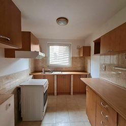 PREDAJ, čiastočne prerobený 3 izb. byt v DS