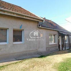 Ponúkame Vám na predaj alebo výmenu 4-izb. ihneď obývateľný  rodinný dom v obci Dvory nad Žitavou .