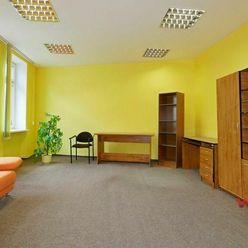 PRENÁJOM: kancelárske - prevádzkové priestory 66,9 m2 Ružomberok ul. Podhora