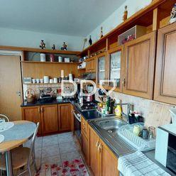 Na predaj veľký, 3 izbový, kompletne zariadený byt, 82 m2+loggia po čiastočnej rekonštrukcii v Dubni