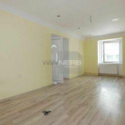 PRENÁJOM: Prevádzkové, kancelárske priestory 53 m2 Ružomberok ul. Mostová.