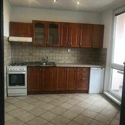 Slnečný, priestranný 3.i.byt na predaj v Galante