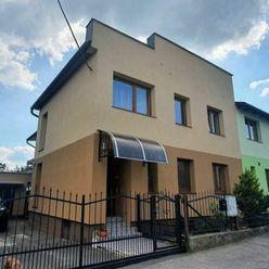 Exkluzívne na predaj kompletne zrekonštruovaný rodinný dom v  tichom prostredí .