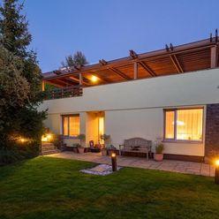 Winners reality ponúka na predaj lukratívne rodinné sídlo s bazénom a terasou v Záhorskej Bystrici
