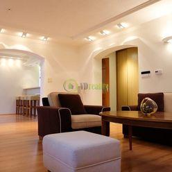 Prenájom, veľkometrážny 3-izbový byt s parkovaním, Južná - Nitra