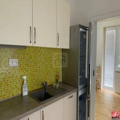 Directreal ponúka Na predaj zrekonštruovaný väčší 1-izbový byt pri OC Central.