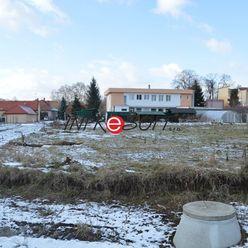 Na predaj pozemok o výmere 681m2 v Zlatých Moravciach