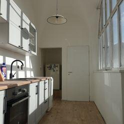 Krásny 2-izb. byt na pešej zóne s parkovaním