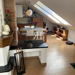Luxusný, krásny, podkrovný 3-izbový byt na Vajanského v Nitre