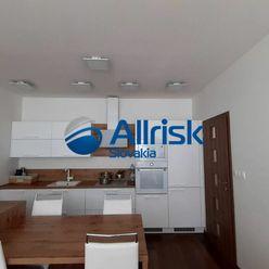 2 izbový byt s balkónom v novostavbe v centre mesta