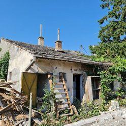 Rodinný dom v pôvodnom stave.  ul. Vendelínska 3. POZEMOK 600m2