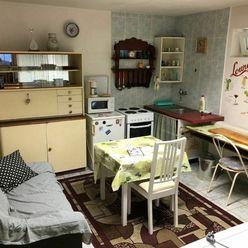 Apartim sro prenajme útulný, veľký 2 izbový byt v rodinnom dome so samostatným vstupom na Hradskej u