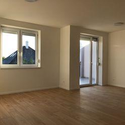 Predám - 3 izbový byt, terasa, Tomášikovo