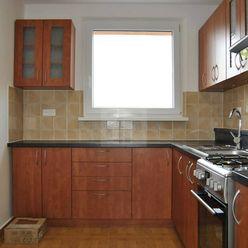 Directreal ponúka REZERVOVANÝ !!! 4 izbový kompletne prerobený 81 m2 byt na sídlisku Smetanov Háj v