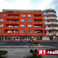 Pekný, č. zariadený 3 izb. byt /130 m2,parking,centrum/ Piešťany