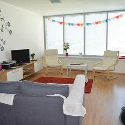 Prenájom 2 izb. bytu s garážovým státím v Novostavbe TRI VEŽE, s nádherným výhľadom.
