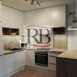 Na prenájom kompletne vybavený 2 izbový byt na Prievozskej ulici v Ružinove, BAII
