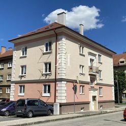 Luxusný veľkometrážny podkrovný 3-izb. byt na Vajanského v Nitre