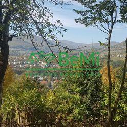 POZEMOK pod lesom s prekrásnym výhľadom...Nová Baňa (046-14-DAR)