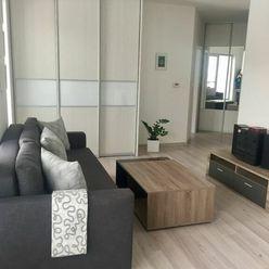 VOĽNÝ IHNEĎ - Krásny 2 izbový byt s terasou a parkovaním v novostavbe na skok do centra,Karlová  Ves