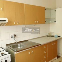 HALO reality - Prenájom, štvorizbový byt Prievidza, Staré Sídlisko, 107 m2 + 45 m2 terasa - EXKLUZÍV