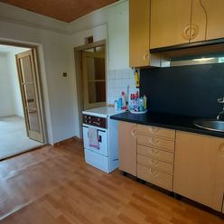 Na predaj 2 izbový byt s balkónom Uhlisko