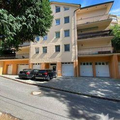 Predaj 3 izbový byt vo vyhľadávanej lokalite Bratislava  Kramáre GARÁŽ
