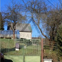 Rodinný dom zo záhradou a garážou / 1166 m2 / Žilina - Dlhé Pole