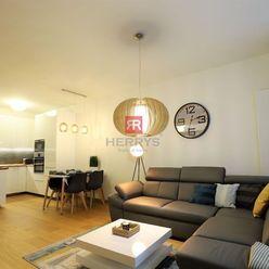 HERRYS - Na prenájom krásny kompletne zariadený  2 izbový byt v Panorama City v Starom Meste, parkin