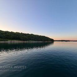 SLOVAK INVEST - Výnimočný pozemok priamo v zálive, Premantura