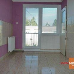 Exkluzívne na predaj 3 izbový byt s balkónom, Tvrdošovce