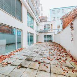 Arvin & Benet | Priestranný a vzdušný apartmán na prestížnej adrese s parkovaním