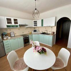 Predaj 1-izbového bytu s balkónom na Novomeského ulici