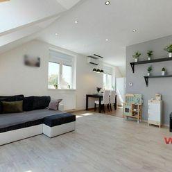Exkluzívne na predaj 2,5 izbový byt krásnych rozmerov 59,80m2 + 20m2 upravený podkrovný priestor