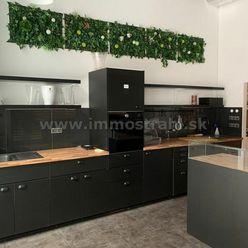 Priestor pre kaviareň v celkovej výmere 87 m2 + terasa 37 m2 v objekte Steinerka Business Center na