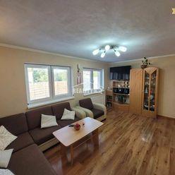 VÝHODNÁ PONUKA - Zrekonštruovaný 4 izbový byt v obci Hrádok