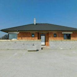 PREDAJ DOMU – 4 izb., Lúč n.Ostrove, 108 m2, štandard, pozemok 500 m2.