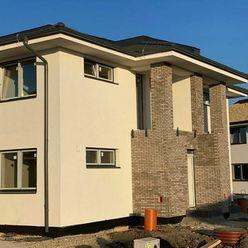 Byt DELUXE-prízemná časť 3 izbový byt s pozemkom, garážou, 2parkovacími miestami