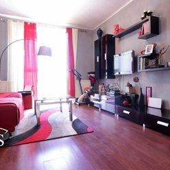 BEDES | Predaj 2 izbový byt, 61m2, samostatné kúrenie, balkón, Handlová - širšie centrum