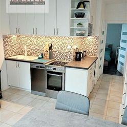 !!!Znížená cena !!!Exkluzívne na predaj krásny 2i byt v BN-SEVER/tichá lokalita ,2x BALKÓN