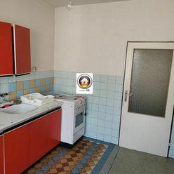 Na predaj starší rodinný dom v obci Trenčianske Bohuslavice