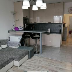 Výborná kľudná lokalita, na predaj pekný slnečný 2-izb.byt blízkosti Nitry